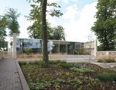 Maggies Lanarkshire / Reiach and Hall Architects