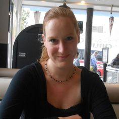 Apr. 2019. Munira Abdulla ist nach 27 Jahren aus ihrem Koma im bayrischen Bad Aibling erwacht.