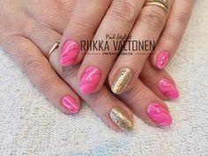 Pink marble nails & glitter #nails #nailart #stockholm #handpaintednailart