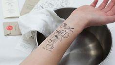 Tijdelijke tatoeages maken van je arm een kookboek