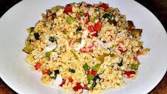 Recept na velmi oblíbený turecký letní salát z bulguru a zeleniny. Bulgur je nalámaná celozrnná pšenice různé velikosti, která je také nazývaná turecká rýže, patří ke zdravé výživě a je základem mnohých chutných jídel. Couscous, Fried Rice, Food And Drink, Cooking, Ethnic Recipes, Fitness, Diet, Bulgur, Kitchen
