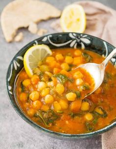 MEDITERRANEAN CHICKPEA SOUP, another amazing soup for your Sunday! Vegan Chickpea Recipes, Chickpea Soup, Vegetarian Recipes, Quick Soup Recipes, Healthy Dinner Recipes, Veggie Recipes, Crockpot Recipes, Diet Recipes, Healthy Food