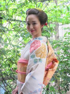 Japanese Outfits, Japanese Fashion, Disney Princess Movies, Japan Woman, Japanese Characters, Japanese Beauty, Yukata, Japanese Kimono, Japanese Culture