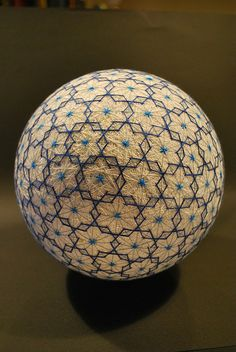 Temari, is a Japanese thread ball, which is a symbol of perfection - There is history as to the weaving of thread to create this artwork.Photo by Nana Akua. Japanese Culture, Japanese Art, Japanese Symbol, Traditional Japanese, Cadeau Parents, Temari Patterns, Art Populaire, Thread Art, Sacred Geometry