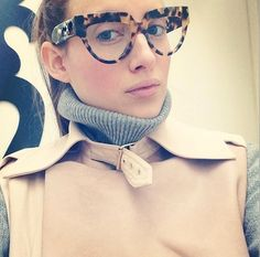 Rosie Fortescue Looks Ultra-Chic in Glasses Winter Fashion 2014, Fashion Eye Glasses, Glasses Online, Girls With Glasses, Pretty Eyes, Geek Chic, Girls Wear, Celebs, Stylish