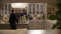Modern Family: Three Funny Families and Their Three Fab Houses Modern Family Gloria, Modern Family Tv Show, Modern Family House, Home And Family, Family Houses, Quirky Kitchen, Minimalist Kitchen, Kitchen Ideas, Tv Show House