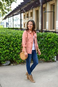 fall outfit | coral pink jacket | affordable blue jeans | Popular Fashion Blog Lady in Violet #falloutfits #casualwomensfashion #ootd