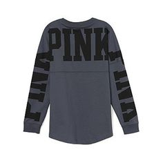 Varsity Crew Victoria's Secret PINK Grey and black New with tags No longer available in stores PINK Victoria's Secret Tops Tees - Long Sleeve Cute Fall Outfits, Pink Outfits, Mode Outfits, Winter Outfits, Casual Outfits, Chill Outfits, Victoria Secret Outfits, Victoria Secret Pink, Sweatshirt Outfit