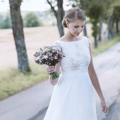 Vintage Wild Flower Bridal Bouquet made by Fairy of Inspiration. Wedding in Sweden.  Chiffon dress with gold detailed lace.  Brudbukett med vilda sommarblommor.