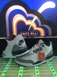 248ee2b37b1f Very happy with my gift AIR JORDAN 3 RETRO OG white fire red-true