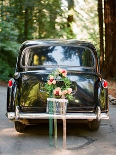 85 Pretty Wedding Car Decorations Diy Ideas Red & White Heart Wedding Cars Ideas In 2019 Wedding Getaway Car, Wedding Day, Wedding Simple, Just Married Car, Bridal Car, Wedding Car Decorations, Wedding Transportation, London Wedding, Wedding Styles