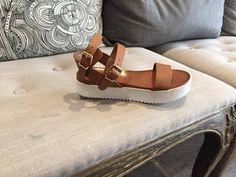 Jeudi 28 , vendredi 29 et samedi 30 mai 2015 : un cadeau offert avec le code #LOVEMUM dés 65 € d achat chez valérie B. - Boutique VALERIE B . CHAUSSURES & ACCESSOIRES Femme Dieppe