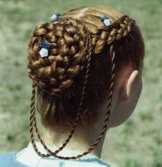 Five Strand Classic with Twists Braids I LOVE braided hair. This is beautiful!