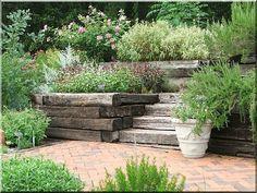 Támfal Concrete Block Retaining Wall, Retaining Wall Design, Concrete Blocks, Natural Garden, Stepping Stones, Pergola, Sidewalk, Home And Garden, Outdoor Decor