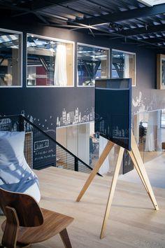 Screen Rack | Front Row von roomours Kommunikationstools