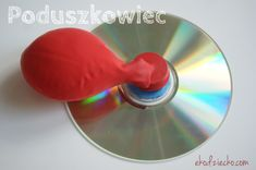 Domowej roboty poduszkowiec zrobiony z płyty CD i balona to eksperyment naukowy dla ciekwych świata dzieci The homemade hovercraft made from CD and balloon is a scientific experiment for the worlds of the lively children DIY Toddler Learning Activities, Diy Projects To Try, Interior Design Living Room, Diy For Kids, Diy And Crafts, Homemade, Children, Experiment, Desk