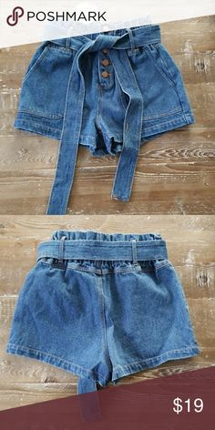 Cute denim paper bag shorts size small Nwt. Size small. Honey Punch Shorts Jean Shorts