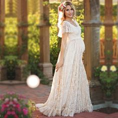 135b929a68fa0 8 Best lace maternity dresses images | Maternity Photography ...