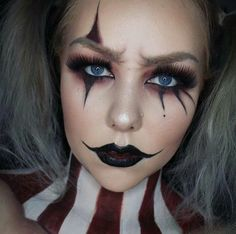 Bildergebnis für pantomime clown schminke - Makeup Looks Dramatic Easy Clown Makeup, Halloween Makeup Clown, Soirée Halloween, Scary Makeup, Simple Halloween Makeup, Simple Zombie Makeup, Creepy Halloween Costumes, Halloween Photos, Vintage Halloween