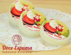 Sabonete Feliz Natal    Sabonete redondo adesivado com motivos natalinos    Podemos personalizar com o Logo da sua empresa, evento,etc    Ideal para brindes corporativos   Sabonete Natal