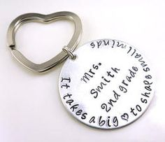 Big Hearted Teacher Personalized Hand Stamped Keychain School Gifts, Student Gifts, Teacher Christmas Gifts, Teacher Gifts, Stamped Jewelry, Jewelry Stamping, Metal Stamping, Teacher Thank You, Teacher Appreciation Week