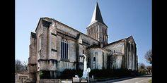 Charente : Saint-Amant-de-Boixe : église Saint-Amant : Le chevet et le transept nord.