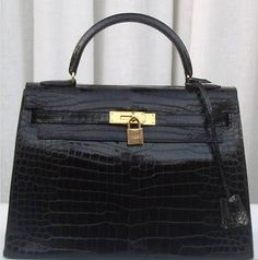 Who doesn't love a black Kelly Bag
