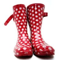 polka dots wellies would make me very happy.  would love to splash around in these!