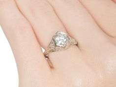 Elegant Vintage Solitaire Diamond Ring - The Three Graces