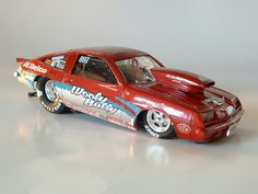 Custom built models that replicate vehicles or objects that are seen in everyday life like junked cars and old buildings. There is a heavy interest in drag race vehicles and hot rods as well. Model Cars Kits, Kit Cars, Nascar Engine, Go Kart Frame, Cool Car Drawings, Plastic Model Cars, Vintage Hot Wheels, Drag Cars, Diecast Models