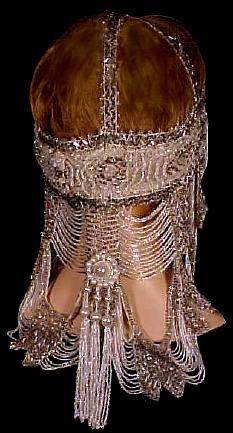 museum quality beaded Flapper headdress via Antique Dress Retro Vintage, Look Vintage, Art Nouveau, Vintage Accessories, Vintage Jewelry, Fashion Accessories, Moda Art Deco, Vintage Outfits, Vintage Fashion