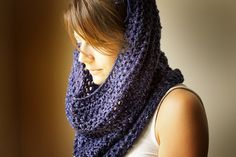 The Crocheted Cowl Pattern is found on Ravelry, but on the front page instead of having a link to follow or file to download. Its an awesome pattern thats so simple, its going straight to the To-Hook List!