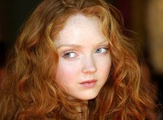 Lily Cole I really like her hair color. Lily Cole, Color Del Pelo, Pale Skin Makeup, Beauty And Fashion, Girls With Red Hair, Gorgeous Redhead, Redhead Girl, Redhead Models, Red Hair