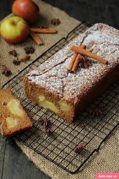 http://swiatciast.pl/17959,jesienne-ciasto-z-jablkami-i-cynamonem.html