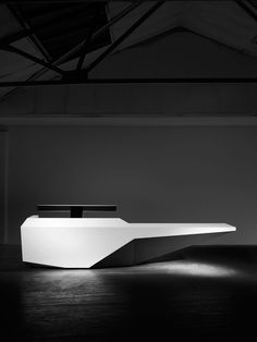 Made using solid surface the Fold modular reception desk can be configured to suit all requirements. Robust and highly flexible and with a clean monochrome finish elegant angles and a minimal geometric aesthetic the Fold desk is the ideal complement f Modern Reception Desk, Reception Furniture, Reception Desk Design, Lobby Reception, Office Reception, Reception Areas, Solid Surface, Design Thinking, Office Table Design