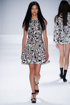 Vivienne Tam Spring 2014 Ready-to-Wear Fashion Show