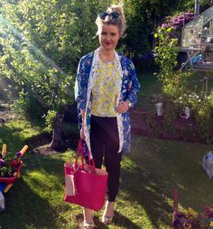 Rosalind from Glasgow looks beautiful in brights - http://www.oasis-stores.com/fcp/content/My-Personal-Stylist-booking/content?cm_re=Social-_-Feature-_-MyPersonalStylist