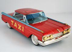 Ichiko Japan 50's Oldsmobile 1959 Taxi Friction 13 inches (33 cm) original tin toy car