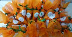 Muitas cenourinhas de cone trufado para a Páscoa, com sabores de ovomaltine, amendoim, castanha, leite ninho, leite ninho com Nutella, b...
