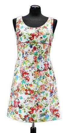 Bei Schnittquelle finden Sie Schnittmuster - wie z.B. Kleid Sassari die einfach zu nähen und raffiniert zugleich sind.