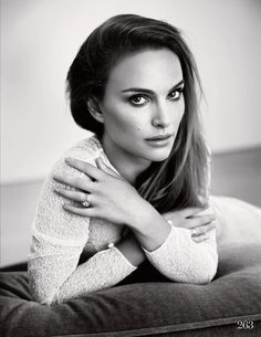 Natalie Portman media gallery on Coolspotters. See photos, videos, and links of Natalie Portman. Natalie Portman, Divas, Beauty And Fashion, Look Fashion, Most Beautiful Women, Beautiful People, Jenifer, Jean Reno, Black And White