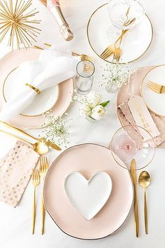 Blush Pink + Gold TableScape Inspiration for a wedding, Valentine's Day party or. Blush Pink + Gold TableScape Inspiration for a wedding, Valentine's Day party or – deko selbst Valentines Day Tablescapes, Valentines Day Decorations, Valentines Day Party, Wedding Decorations, Decor Wedding, Wedding Table, Homemade Valentines, Wedding Ideas, Party Wedding