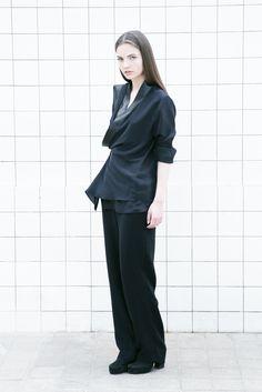 Straight Lined Collar Blazer AM\WESTEN 100% Silk 100% Lambskin