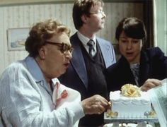 Episode Uncle of the Bride - Edie & Glenda are thinking about the cake while Barry is thinking about his car. British Sitcoms, British Comedy, Last Of Summer Wine, Classic Films, Best Tv Shows, Place Card Holders, Entertaining, Bride, Yorkshire