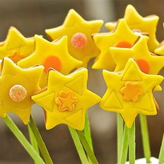 #Daffodil #cookie pops for #easter #baking