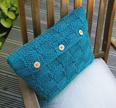 Hand Knitted Things: Checkerboard Cushion Cover Knitting Pattern