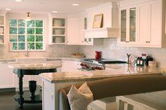 The Granite Gurus: Whiteout Wednesday: 5 White Kitchens with Super White Quartzite Kitchen And Bath, New Kitchen, Kitchen Dining, Room Kitchen, Kitchen Ideas, Kitchen Reno, Kitchen Hoods, Dining Room, Kitchen Banquette