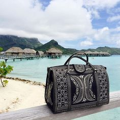 #NOFILTER This is an older model of the #bandabags that resident photographer @hanaleilove_photo is rocking in Tahiti! But it's still a goodie. Take yours everywhere you go. #handcrafted #headturning #oneofakind #artisanal #vegan #chic #bohemian #bohostyle #travelbag #weekenderbag #travel #explore #getaway #islands #tahiti #tropical #beautiful #paradise #polynesia #bucketlist #photography #takemeaway