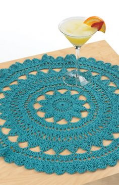 Free pattern for this pretty Mediterranean Surf Doily!