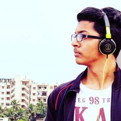 Candid!  P.C. - Mom!  #candid #momsClick #clear #sky #winters #headphones #audiotechnica #Music #caughtinthemoment #instagram #instapic #instaUpload #ath-s100